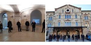 Studentesse e studenti dell'Università e dell'Accademia di Belle Arti insieme al lavoro per l'arte contemporanea - 11.01.2021